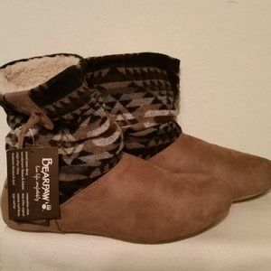 NWT Bear paw ankle boots